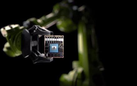 英伟达发布全新AI芯片Jetson AGX Xa...