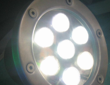 LED燈閃爍是怎么回事