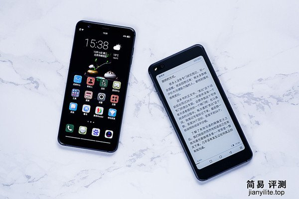 海信双屏手机A6评测 更出色的观感以及更广阔的视...