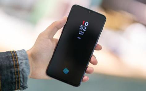 一加跳脱平价策略,首款5G手机定价可能超过300美元