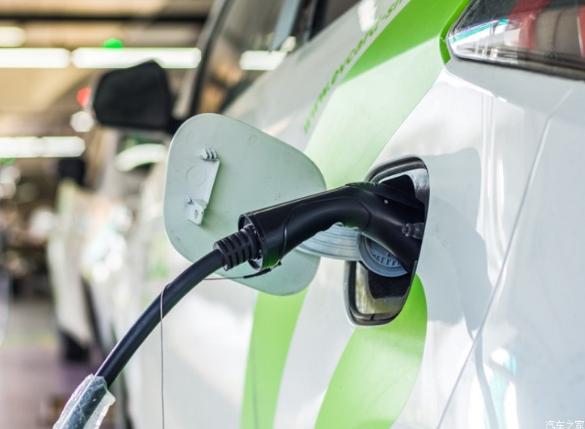 印度要求公共充电站务必安装日美两种规格的充电连接...