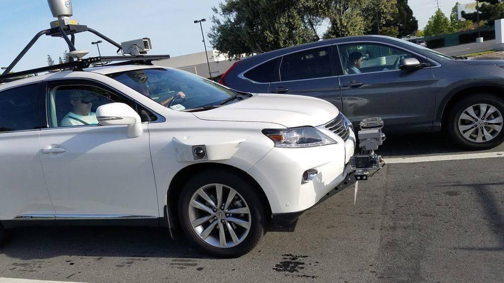 苹果自动驾驶车辆就被曝在公共路段进行测试
