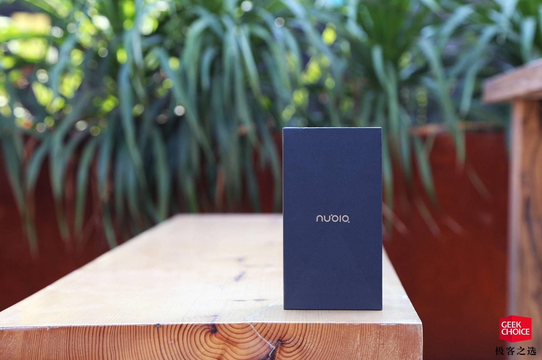 努比亚X评测 移除前置摄像头之后实现了非常高的屏占比