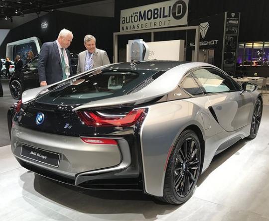 明年新能源车市还将呈高速增长态势 预计至少达到1...