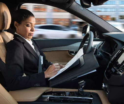 无人驾驶汽车量产面临瓶颈 自动驾驶卡车应用却在飞...