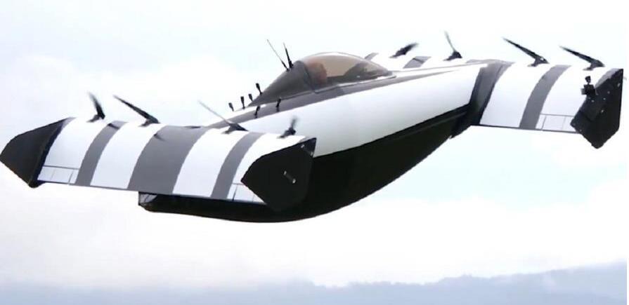 太阳能充电,飞天汽车BlackFly让新手也能轻松开