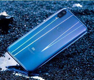 小米旗下第一款水滴屏手机小米Play正式发布