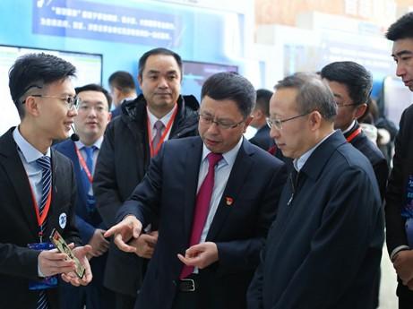 内蒙古移动与华为合作在呼和浩特正式开通5G网络试...
