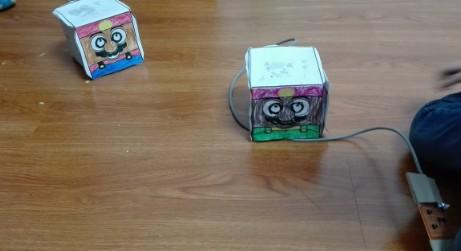 51单片机对盒仔机器人的控制设计