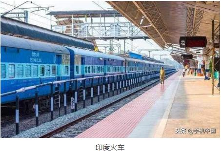 印铁路部门开发了一款人工智能机器人 用于检查火车