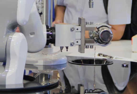 食品制造业机器人应用场景越来越广 食品制造业开始...
