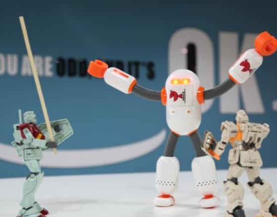 餐饮行业迎来智慧升级 餐饮机器人逐渐成发展新主力