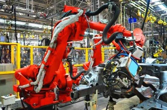 PLC要满足工业机器人的高性能要求还有待改善