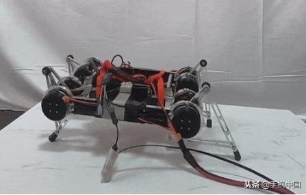 深度学习能力赋能 人工智能机器人可自由行走