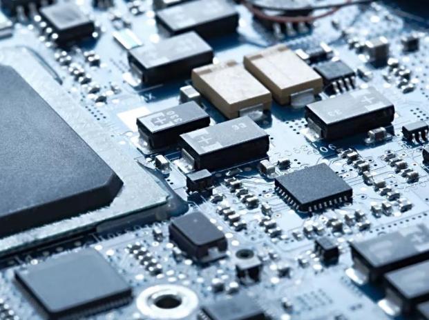 中国芯片的薄弱和自主可控迫在眉睫 如何解决中国电...