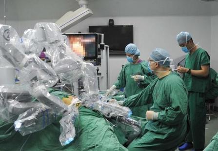 """海南省首例""""达?#31227;妗?#26426;器人胰头十二指肠切除术顺利..."""