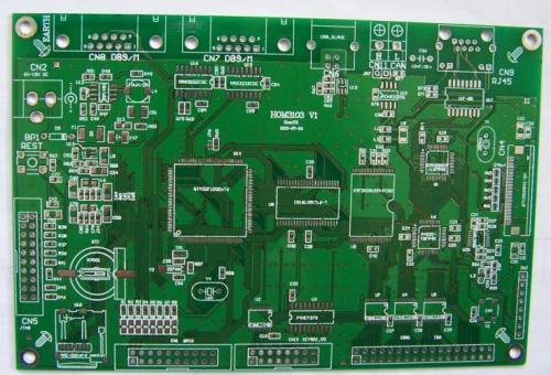 PCB分层堆叠在控制EMI辐射中的作用和设计技巧