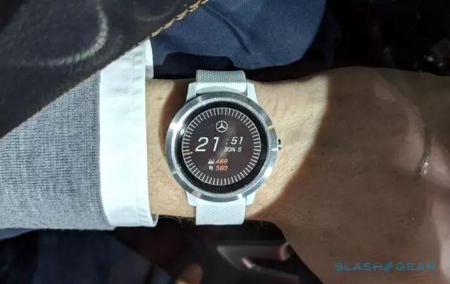 亚博佳明携手奔驰新推智能手表