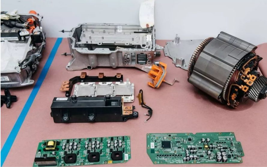 Tesla Model3的三电系统内部拆解分析