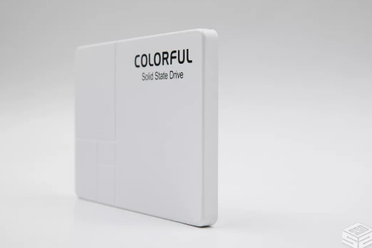 七彩虹SL500冰雪白冬季限量版SSD性能测试 AS SSD破千分