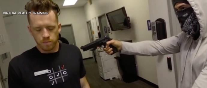 Verizon利用虚拟现实体验来培训团队成员应对突发劫持事件
