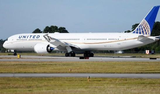美联航首架波音787-10梦想飞机正式投入商业运...