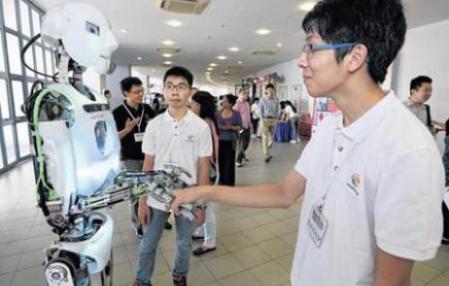 限制社交机器人或能减少网上错误信息的传播
