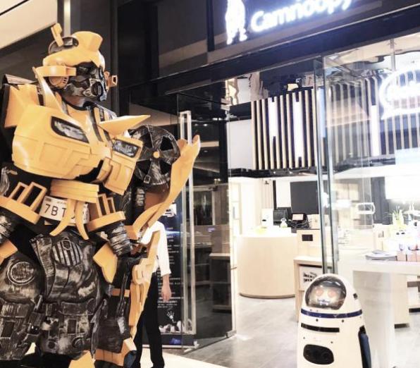 智能机器人已经得到了广泛普及和应用 各行各业中都能看见它们的身影