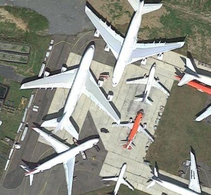 首批A380飞机已在法国塔布-卢尔德-比利牛斯机...