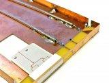 一款原型手机展示了毫米波天线和LTE天线在单个设...