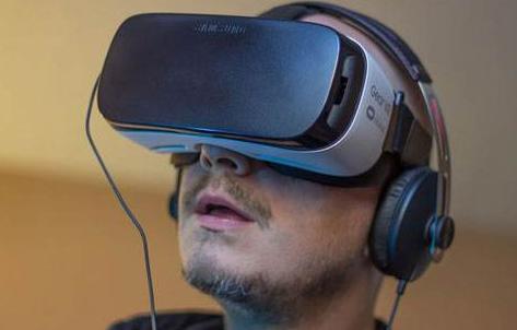 苹果?#33529;?#30740;发一款能够同时支持AR和VR技术的头显