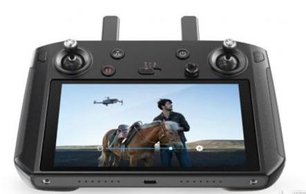 CES 2019:大疆推出带屏无人机遥控器 便携式无线电源Yoolox亮相