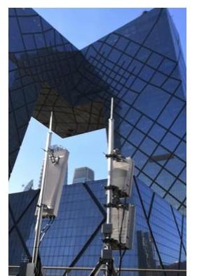 中国移动已经在中央商务区开通2.6GHz+4.9GHz 5G双频网试验点