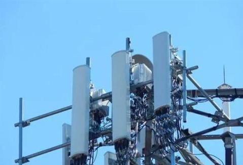 中国联通开通了中山市首个5G基站站点终端下载速率超过800Mbps