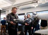 英伟达在西雅图设机器人实验室,聘请华盛顿大学教授