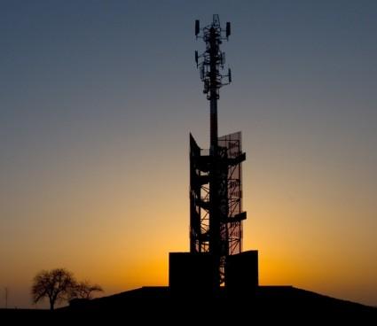 中国移动联合华为引入FDD Massive MIMO技术实现了网络能力强化和扩容