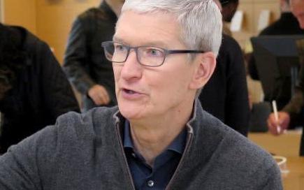 苹果服务营收增速放缓 苹果代工厂满地鸡毛