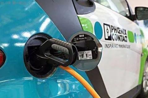 补贴退坡 促使新能源汽车产业开始由政策驱动向市场驱动过渡