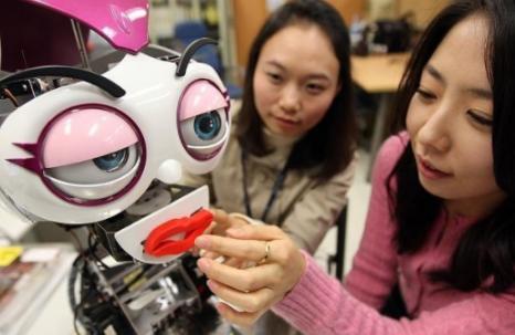 机器人没有生命的灵动和温情 并不会代替导盲犬