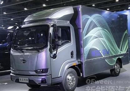从三个方面深入分析新能源汽车在交通运输领域的应用