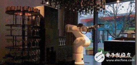 日本酒店解雇机器人:用机器人带来的麻烦更多