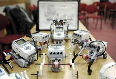编程机器人大致可以分为以下几个类型