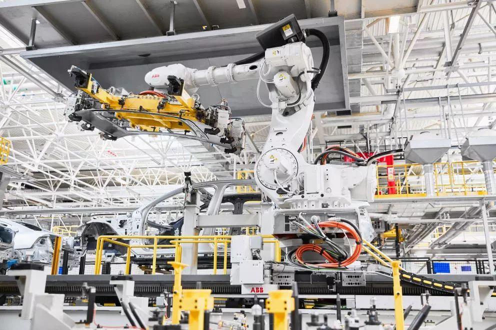 """亚博从制造到""""智能制造""""政策视野中的制造业升级"""