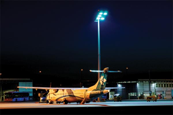 高桅杆LED照明设计要求及应用