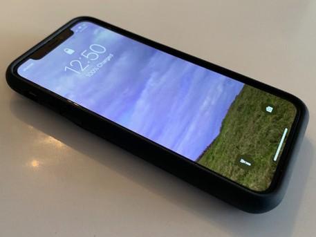 苹果iphone智能电池保护壳测评