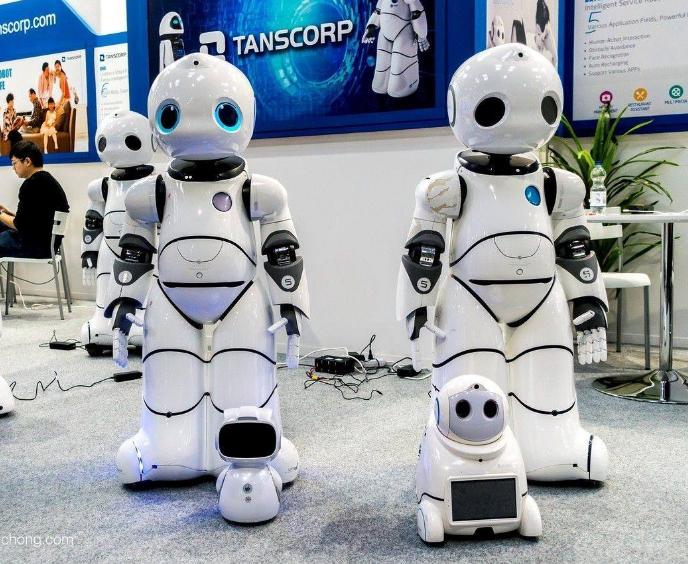 日本研发出一种会说相声的机器人 并给患者带来了欢笑