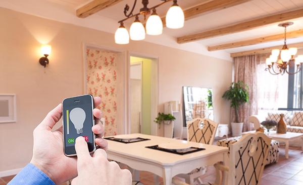家中的智能LED照明的控制策略和无线网络协议