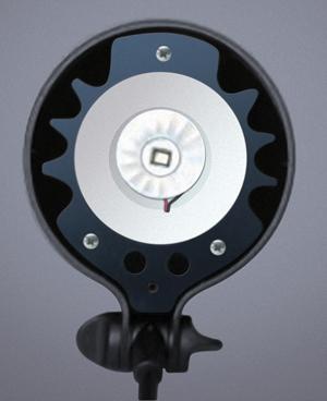 如何将卤素台灯转换为LED光源