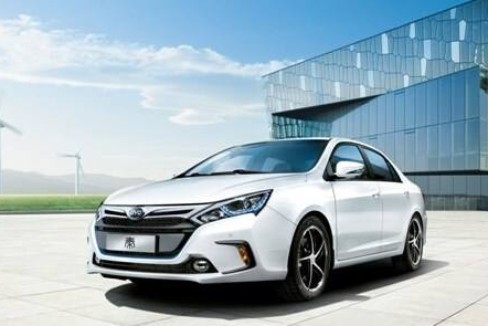 全球新能源汽车市场快速崛起 企业动力电池业务也开...