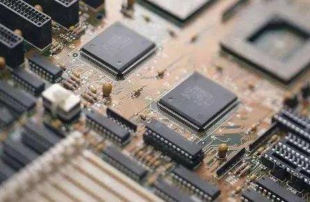 SiliconBlue计划生产针对便携消费电子市场的低功耗FPGA